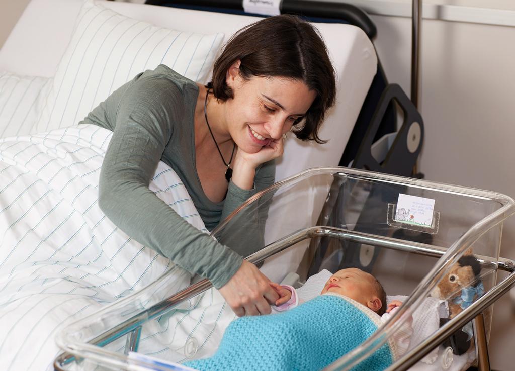 Geburt baby aus der scheide